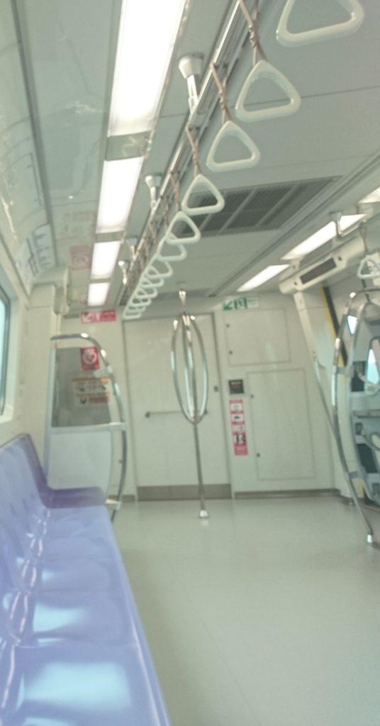 台湾 MRT空港線 普通車車内