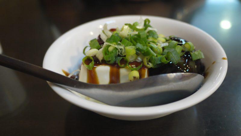 史記正宗牛肉麺 ピータン豆腐