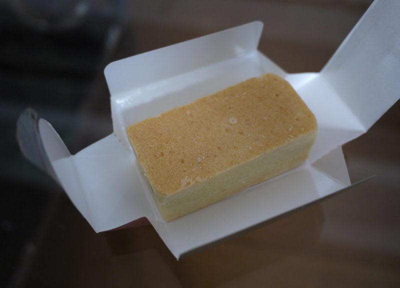 オークラ パイナップルケーキ